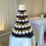 Young Wedding #hummingbirdbakery