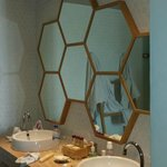 Interesting mirrors in ensuite
