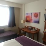 Foto de Premier Inn London Gatwick Airport Manor Royal