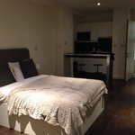 Foto de Go Native Aldgate East Apartments