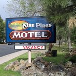 NINE PINES MOTEL의 사진
