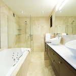 Tin Tub Luxury Lodge의 사진