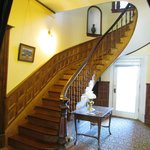 The Carriage House Inn Bed and Breakfast resmi