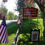 Welcome to Maxwell Creek Inn Bed & Breakfast