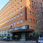 Ramada Naples City Centre resmi