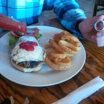 onion rings delight with fried egg on burger