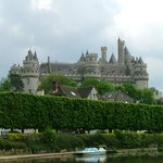 At the lake, backdrop of Pierrefonds