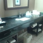 Holiday Inn Express Hotel & Suites West Chester resmi