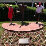 Payne Stewart statue by 18th green