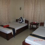 Tropical Breeze Guest House resmi
