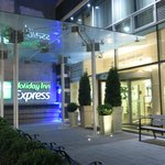 Photo de Holiday Inn Express NYC -Herald Square 36th St