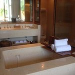 double bath in lagoon room