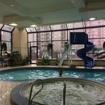 Howard Johnson Hotel By The Falls resmi