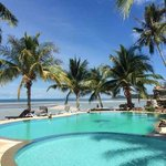 First Villa Beach Resort resmi