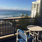 Photo de Surf Regency Apartments