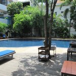 The Billabong Hotel resmi