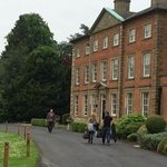 Macdonald Ansty Hall resmi