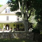 The Buck House Inn on Bald Mountain Creek의 사진