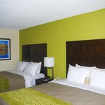 2 Queen Bed Guestroom