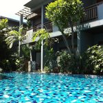 Metadee Resort and Villas resmi