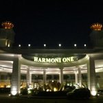 Harmoni One Convention Hotel and Service Apartments resmi