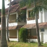 Manor Backwater Resort resmi