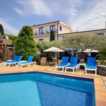 Photo of Hotel Blaumar Cadaques