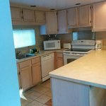 Full kitchen w/amenities