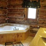 #18 Silver Mountain Lodge master suite bath