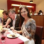 2013's Rose of Tralee having dinner in The Maldron Hotel