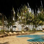Clandestino Beach Resort resmi
