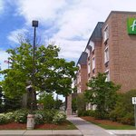 Holiday Inn Express Whitby Oshawa resmi