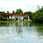 صورة فوتوغرافية لـ ‪BEST WESTERN Frensham Pond Hotel‬