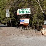 Photo de Pines Motel