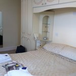 Eastcote Luxury Guest House resmi