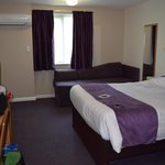 Premier Inn Guildford Central resmi