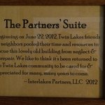 The Twin Lakes Inn resmi