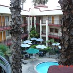 Comfort Inn and Suites John Wayne Airport resmi
