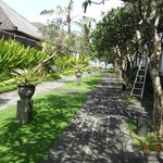 The Bali Khama Beach Resort & Spa resmi