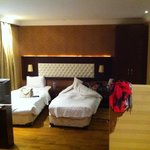 Twin room sutie - bed area