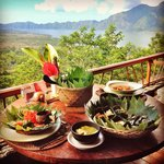 Farmer's lunch at Danu Art Lounge at Lakeview Eco Lodge