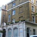 hotel (corner London St / Sussex Gardens - Westminster)