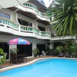 Foto de Palmview Resort Patong Beach
