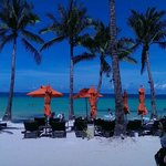 The District Boracay resmi