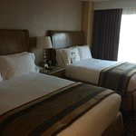 Photo de Doubletree Suites by Hilton Hotel Anaheim Resort - Convention  Center