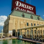 Drury Plaza Hotel Riverwalk resmi