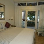 Foto Fort Recovery Beachfront Villa & Suites Hotel