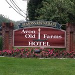 Avon Old Farms Hotel resmi