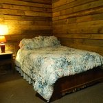 Log Cabin - Queen size bed