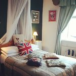 Such a cute wee room!